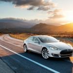 Tesla выпустила обновления для автомобилей, которое включает автопилот